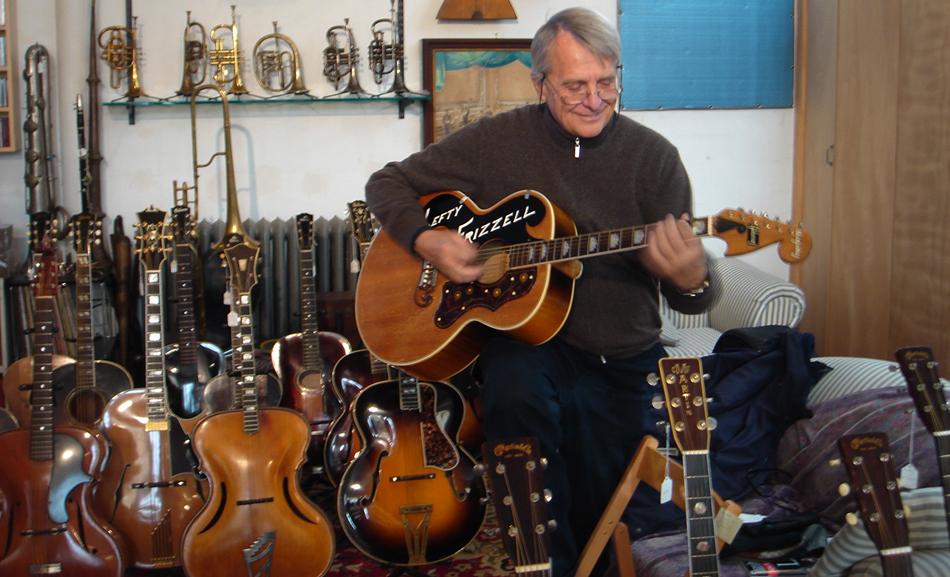 Nel famoso negozio Retrofret Guitar (Brooklin)