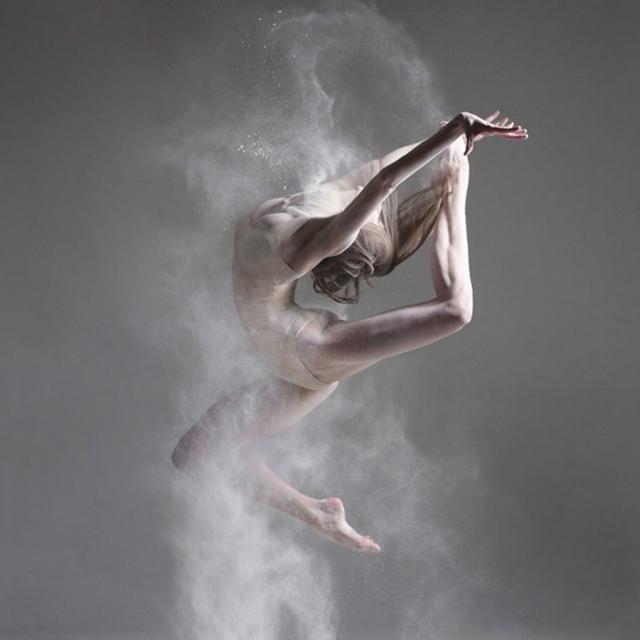 alexander-yakovlev-dancer-and-flour-1